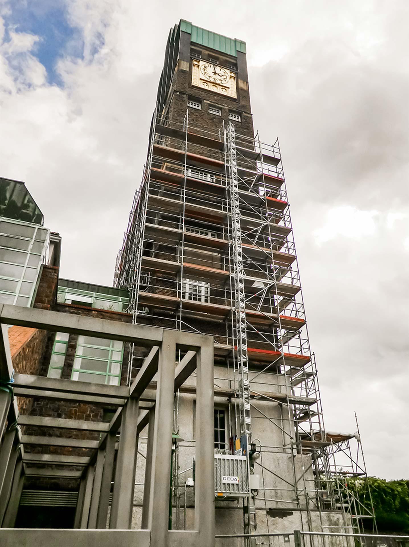 Bauaufzug zu Personen und Materialbeförderung Sanierung des Hochzeitsturmes in Darmstadt