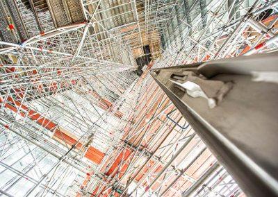 Europäische Zentralbank Frankfurt Bauaufzug im Kern des Gebäudes
